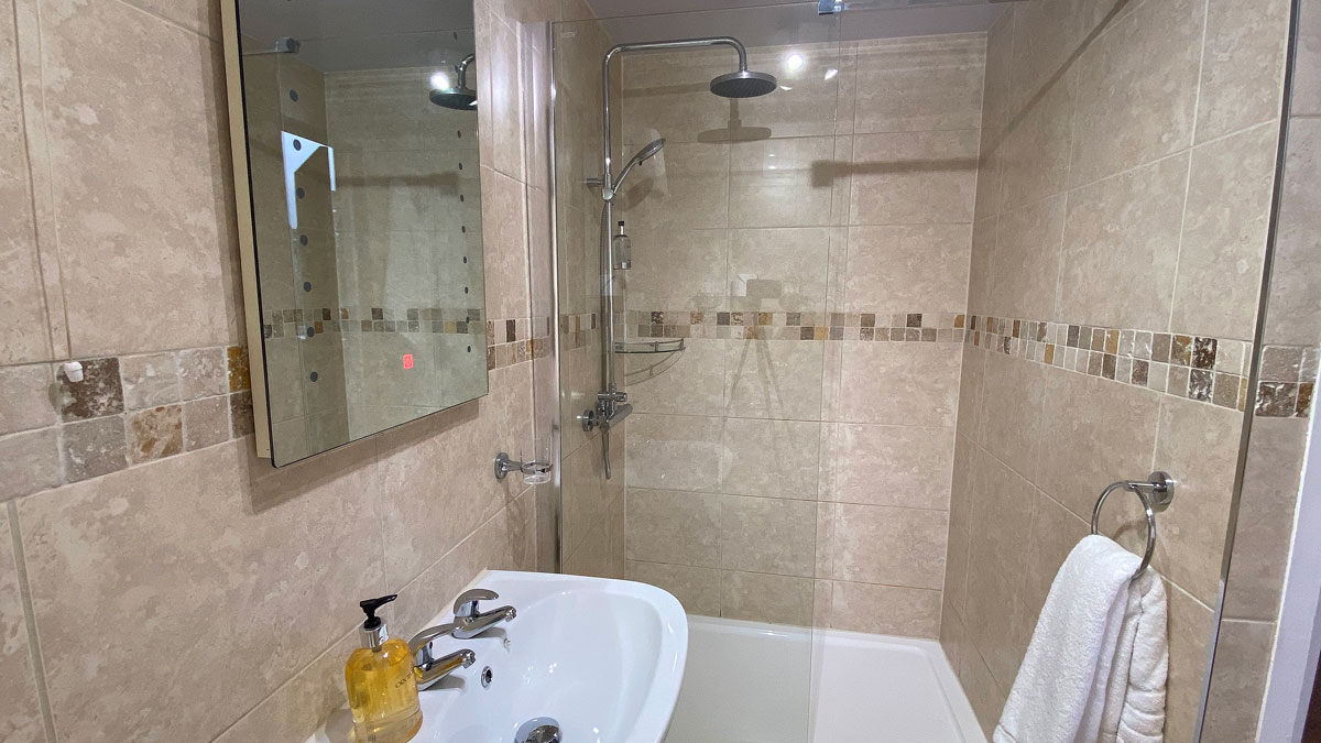 Ottercops Bathroom